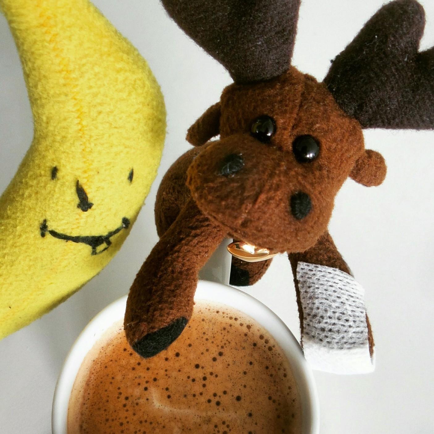 więcej kawy