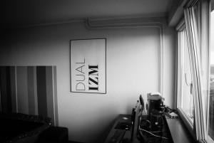 dualizm na ścianie