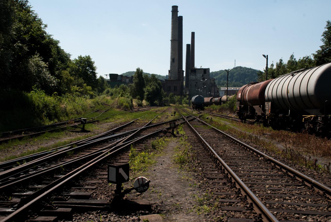 Wreszcie zbliżamy się do jednej z ostatnich tak dużych przestrzeni przemysłowych w Wałbrzychu.