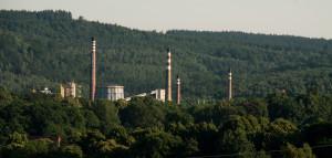 Płomień, który widać po prawej, pali się w nieskończoność. Pozbywa się w ten sposób jednego z niskokalorycznych gazów, który jest produktem ubocznym.